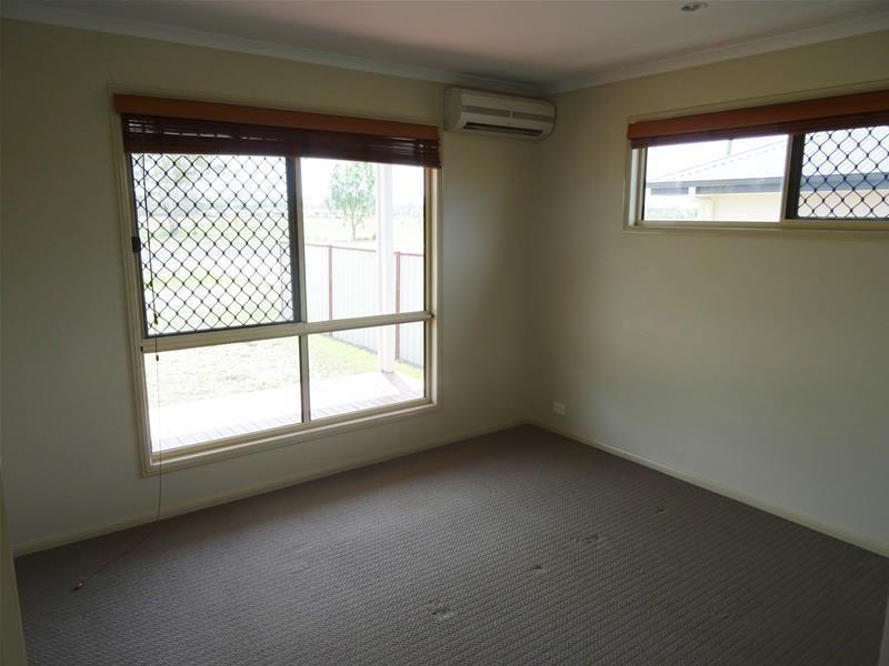 76 Oxford Street, Nebo QLD 4742, Image 2
