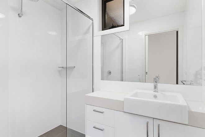Picture of 3/217 Station Street, EDITHVALE VIC 3196