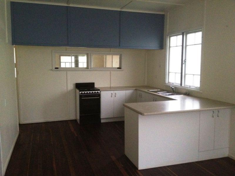 237 Cypress Street, Urangan QLD 4655, Image 1
