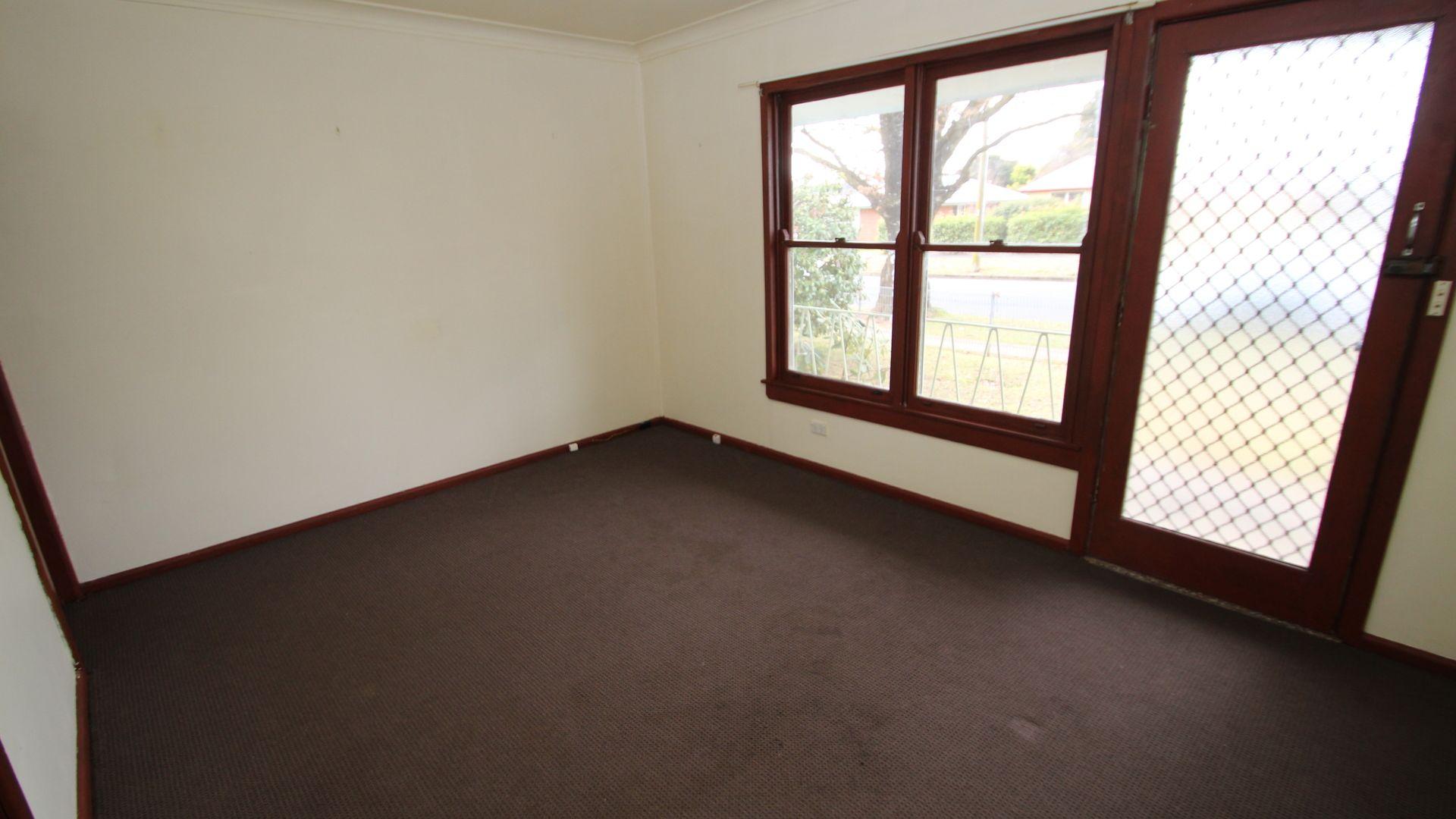 13 Glenroi Avenue, Orange NSW 2800, Image 1