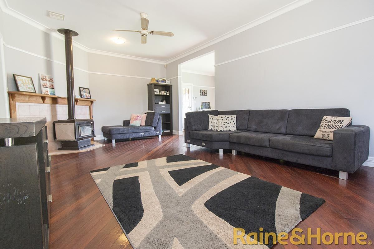 30 - 32 Hill Street, Geurie NSW 2818, Image 2