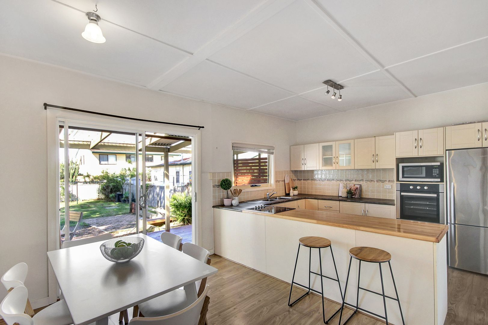 2 Sutton Avenue, Long Jetty NSW 2261, Image 2