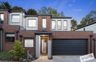 Picture of 38 Innes Court, Berwick VIC 3806