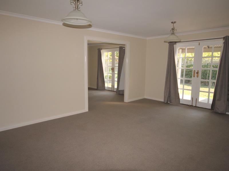 11 Ellendon Street, Bungendore NSW 2621, Image 2