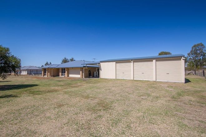 Picture of 17 Adelong Avenue, THAGOONA QLD 4306