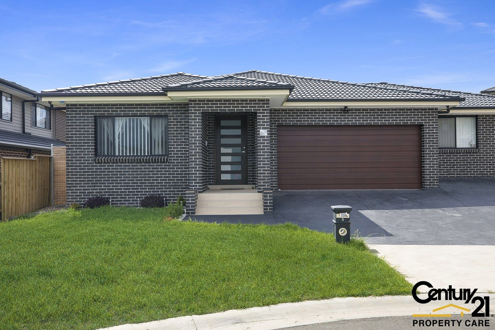 5 Liebig Place, Minto NSW 2566, Image 0