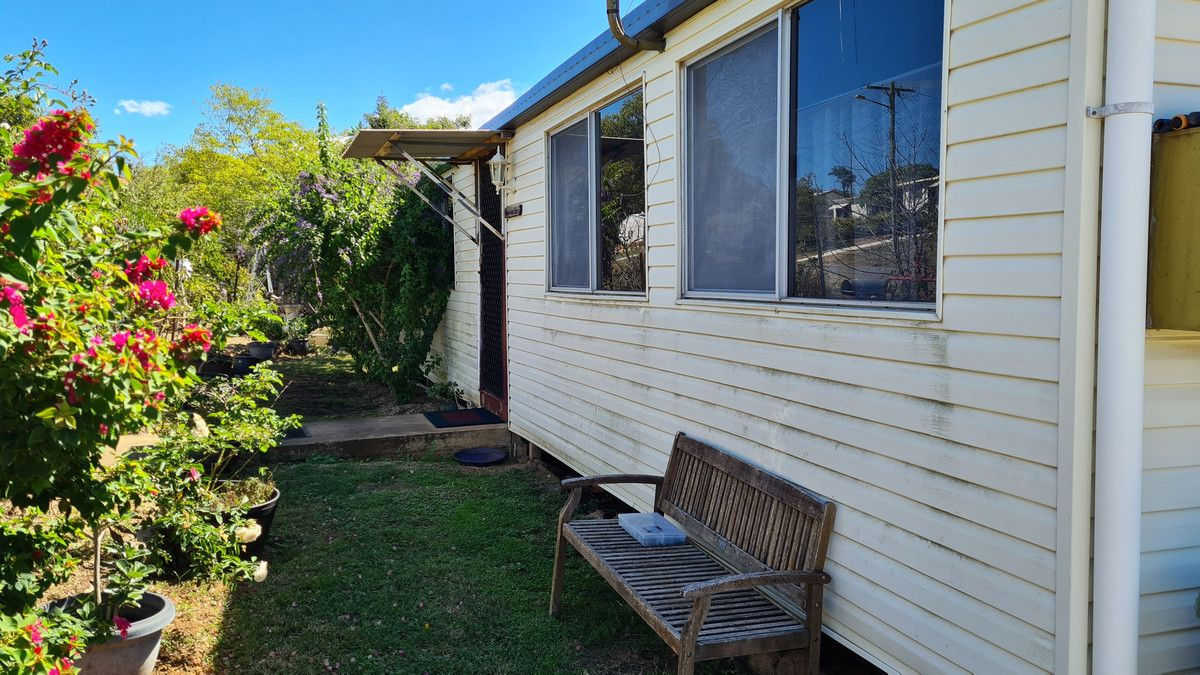 23 Crown Street, Mount Morgan QLD 4714, Image 2