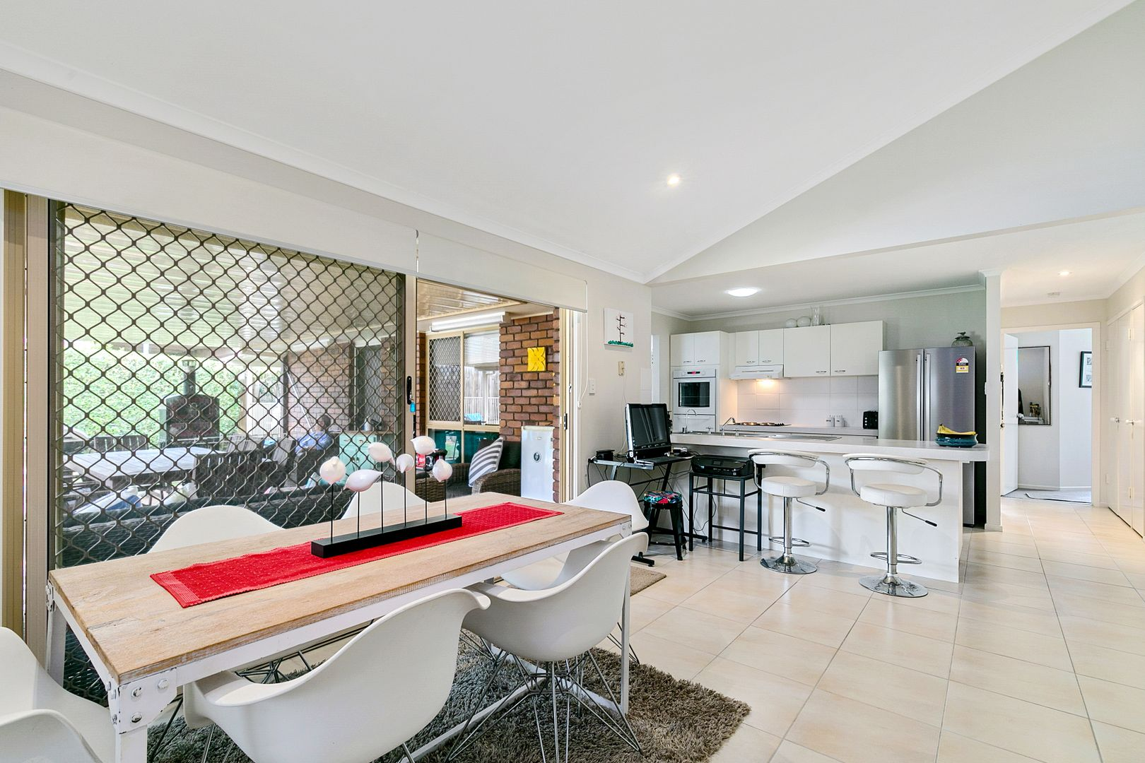 3 Canning Close, Wynnum West QLD 4178, Image 2