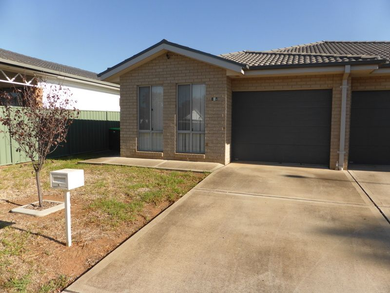 82B Close Street, Parkes NSW 2870, Image 0