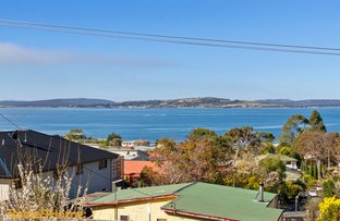 Picture of 1/241A Roslyn Avenue, Blackmans Bay TAS 7052
