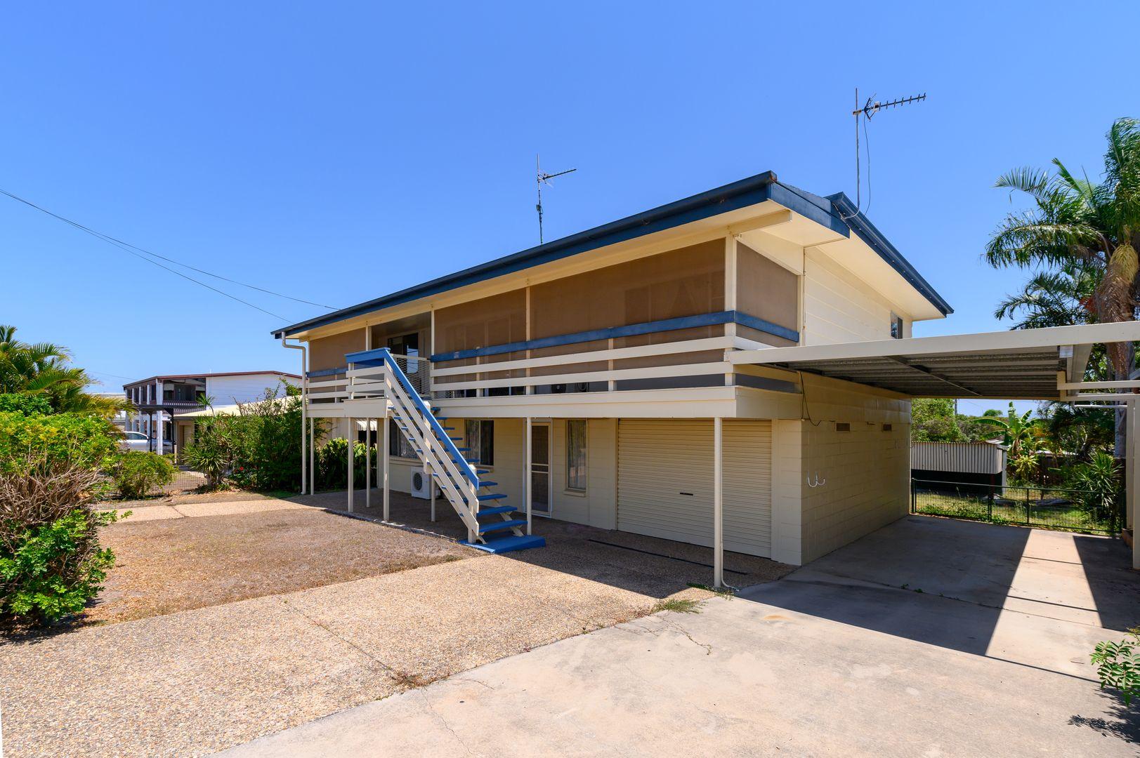 69 Booth Avenue, Tannum Sands QLD 4680, Image 2