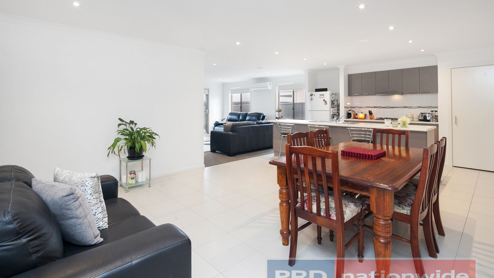 13 Rooney Crescent, Lucas VIC 3350, Image 2