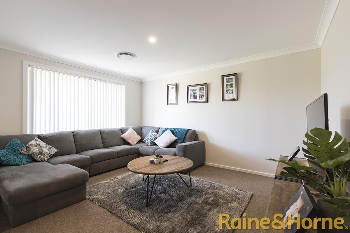 3 Lacey Avenue, Dubbo NSW 2830, Image 2
