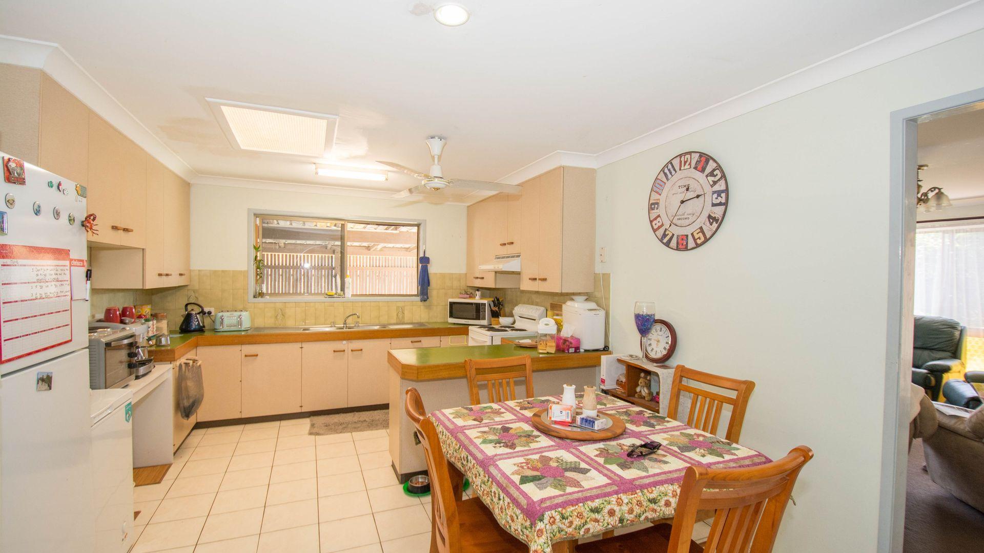 6 McNamara Street, Avenell Heights QLD 4670, Image 2