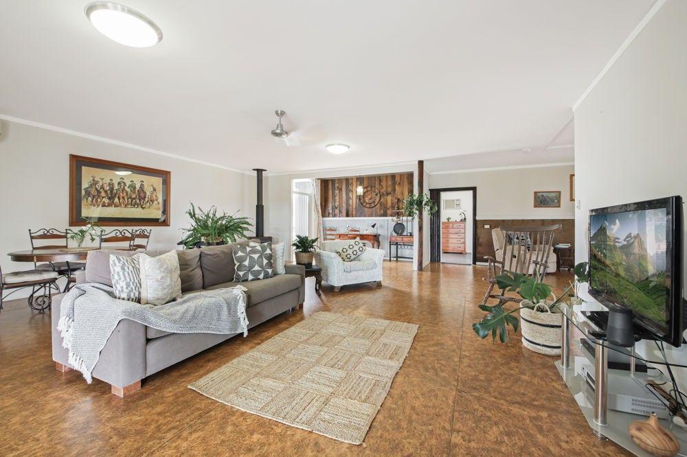 24 Warren Road, Wanora QLD 4306, Image 2