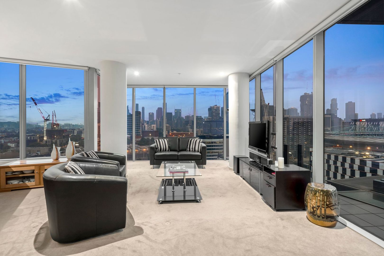 1607/2 Newquay Prom, Docklands VIC 3008, Image 2