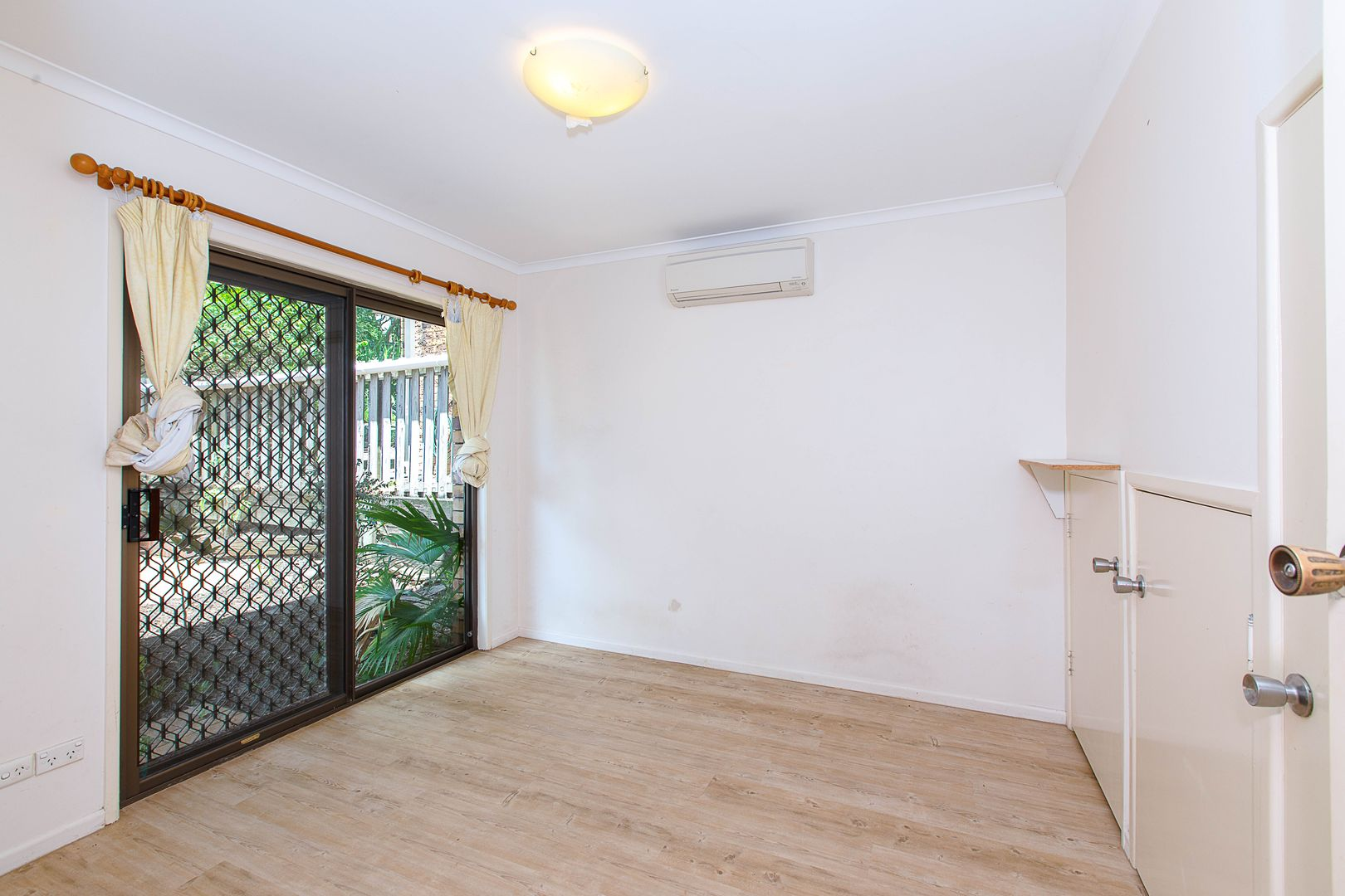 16 Sisley Street, St Lucia QLD 4067, Image 2
