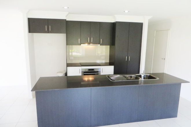 Picture of 2/33 Warilla View, BLACKS BEACH QLD 4740