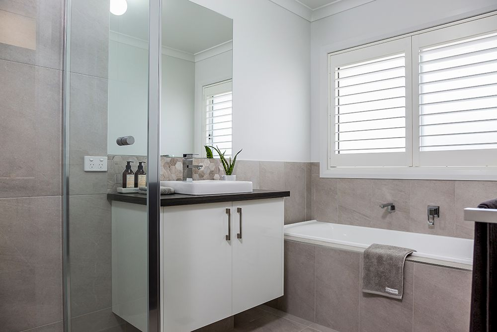 Lot 696 Saunders Dr, Flagstone QLD 4280, Image 2