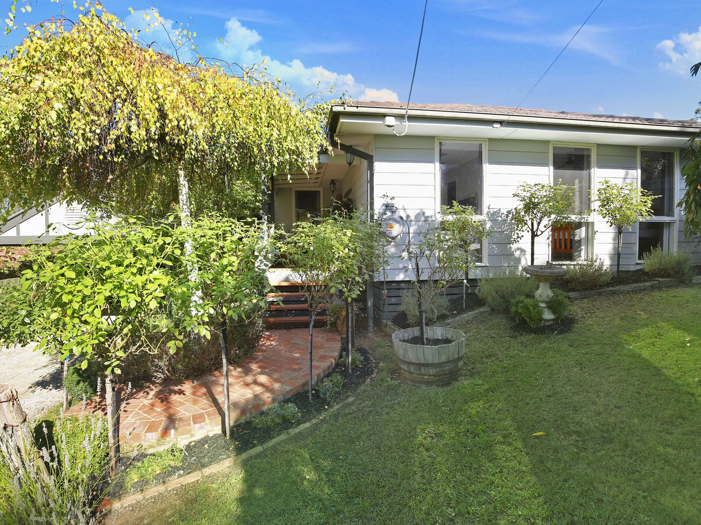 2 Valewood Drive, Launching Place VIC 3139, Image 0