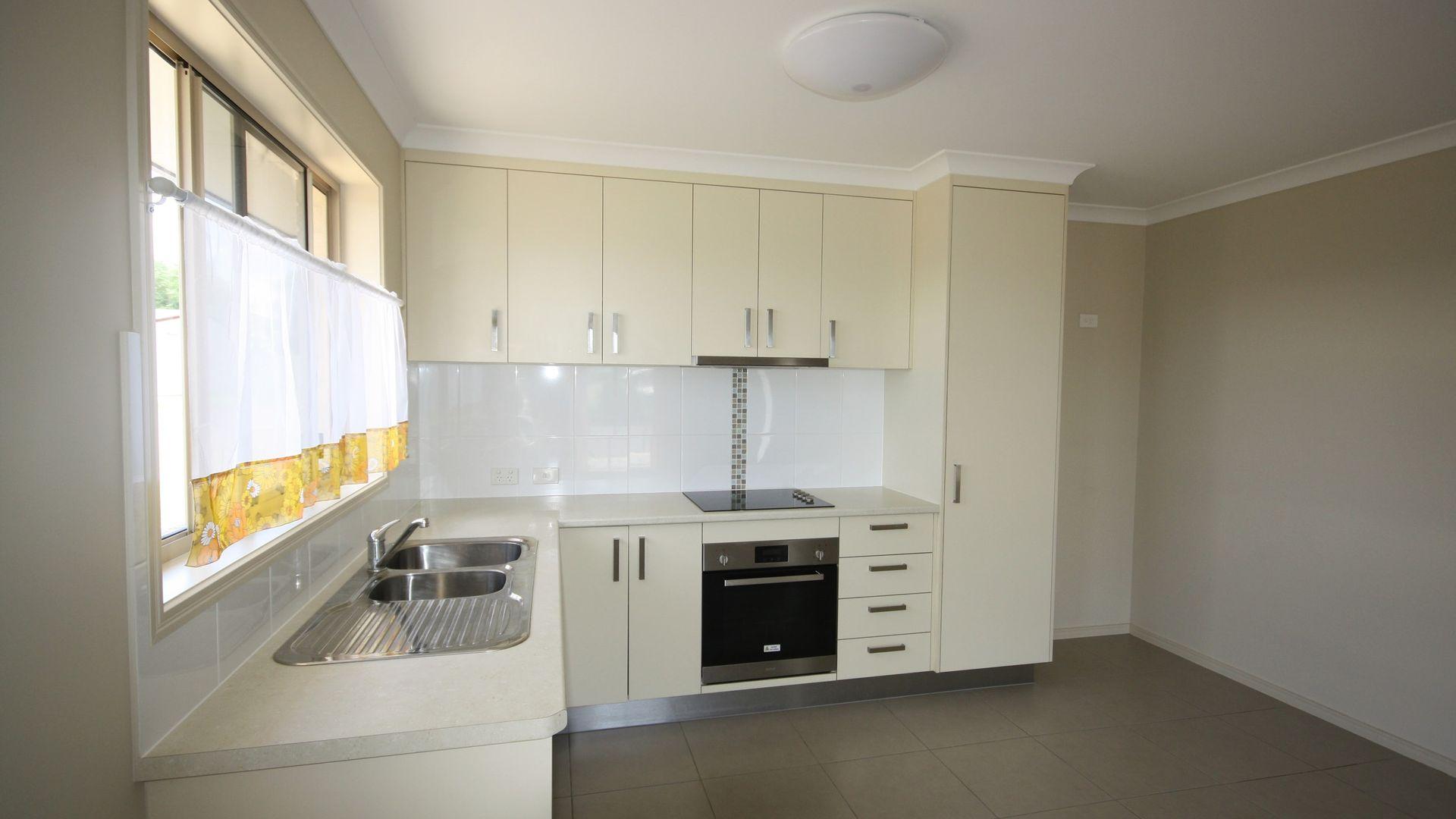 13A Horton Street, Biggenden QLD 4621, Image 2