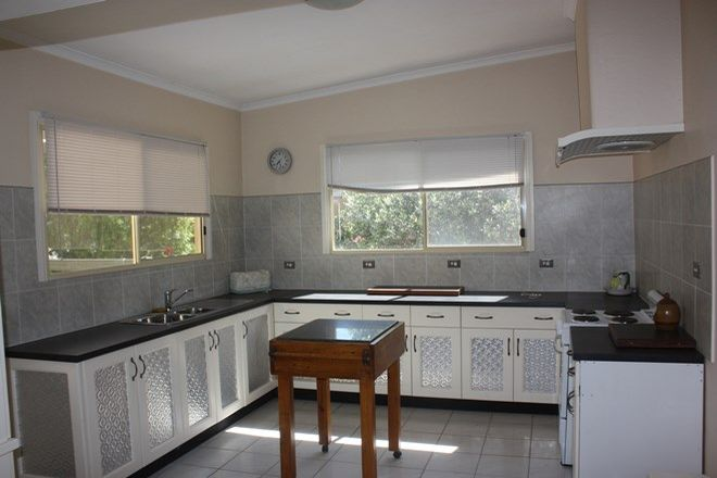 Picture of 2 South Terrace, LAURA SA 5480