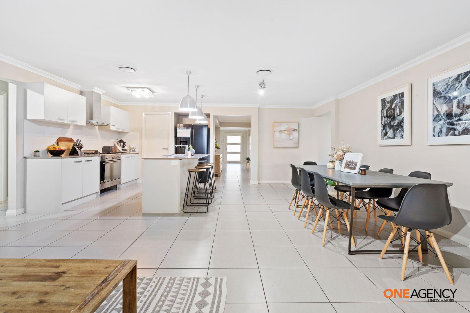 45 Broomfield Crescent, Singleton NSW 2330, Image 2