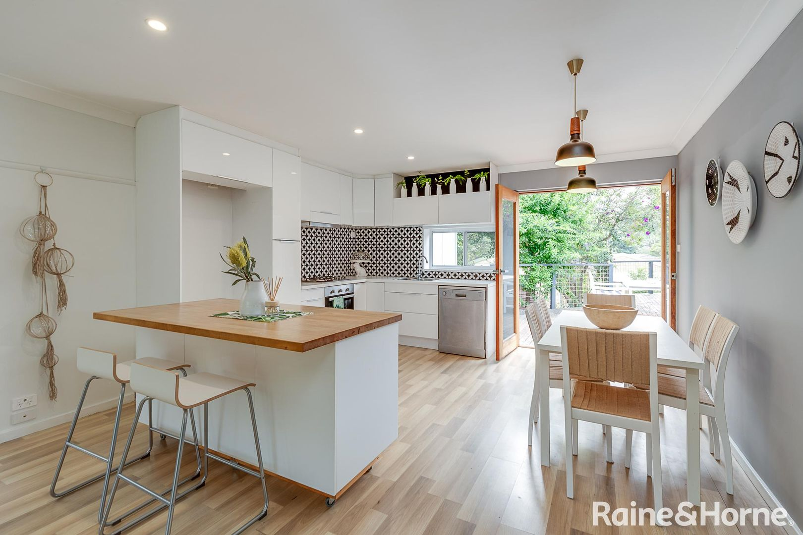 76 Ross Avenue, Narrawallee NSW 2539, Image 1