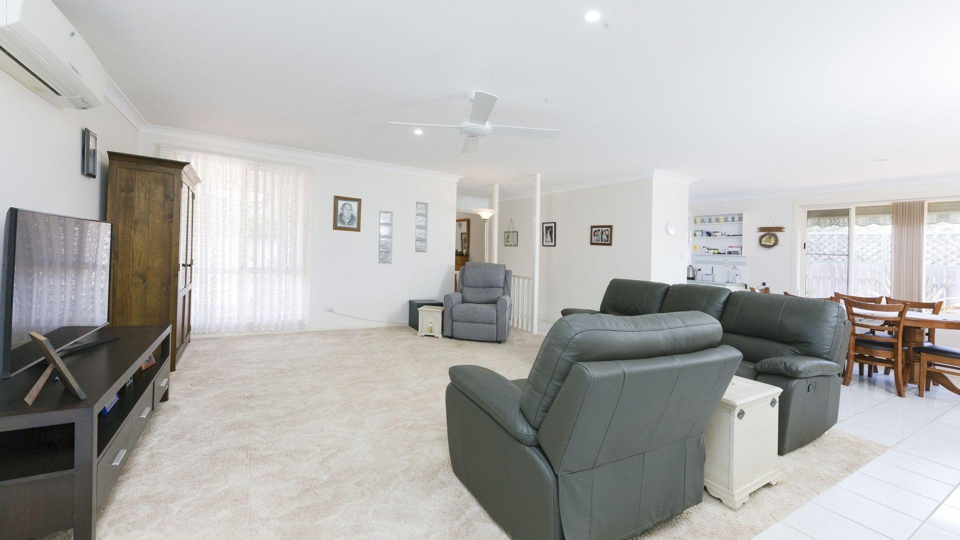 2/6 Asplenii Crescent, Tuncurry NSW 2428, Image 1