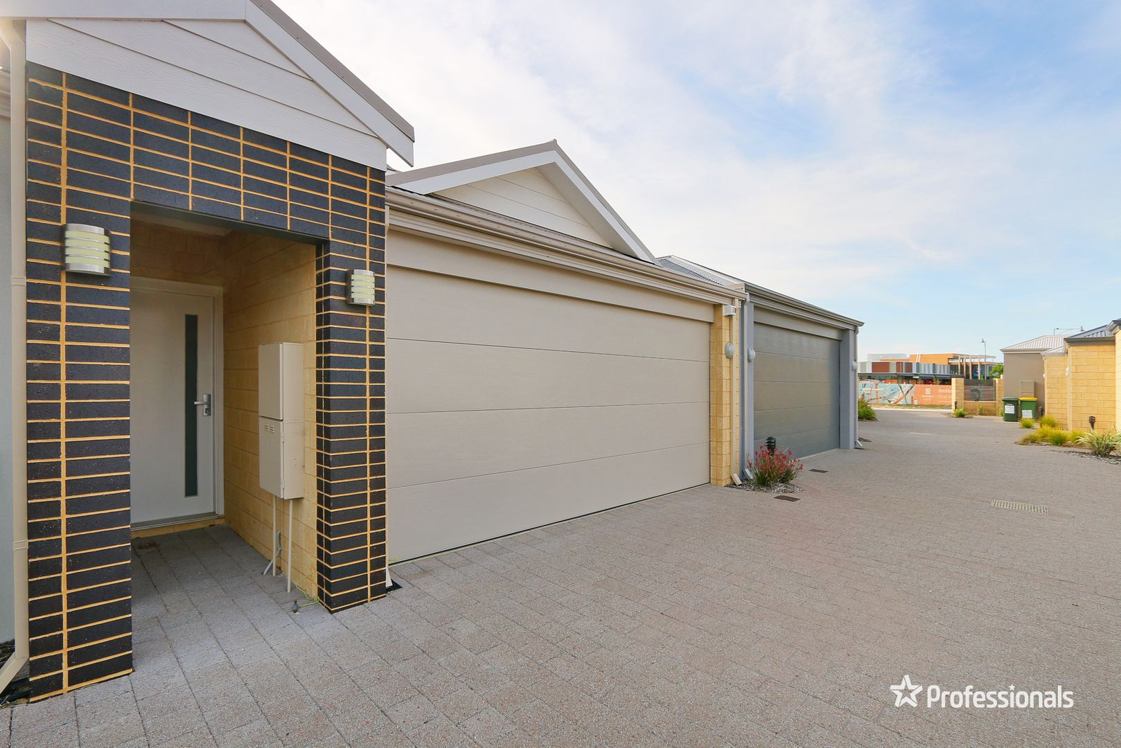 2/2 Whitmore Loop, Harrisdale WA 6112, Image 0