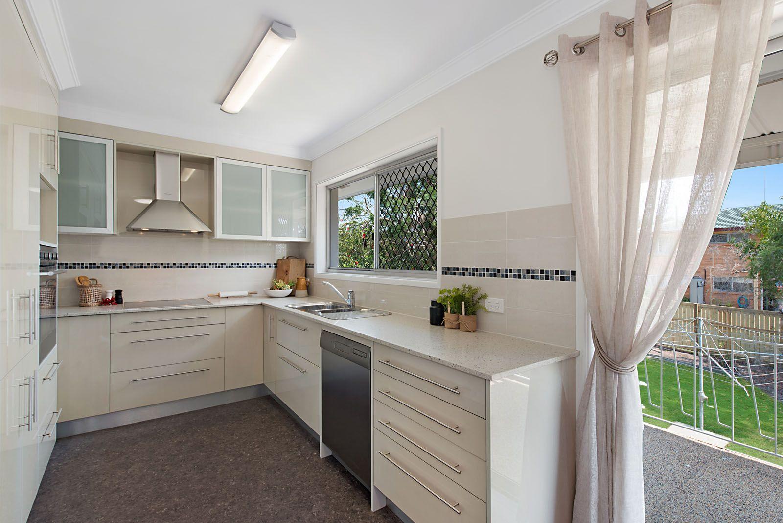 64 Morialta Street, Mansfield QLD 4122, Image 2