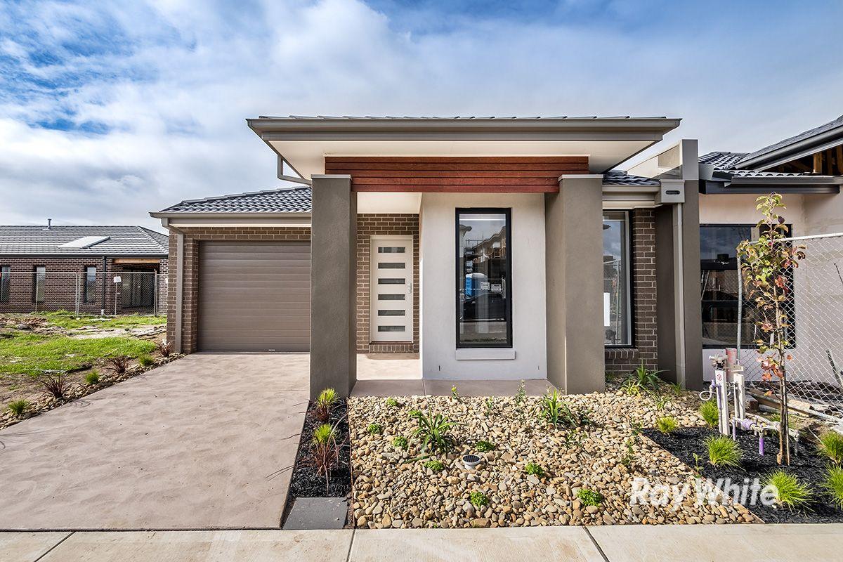 20 Mabillon Way, Clyde North VIC 3978, Image 2