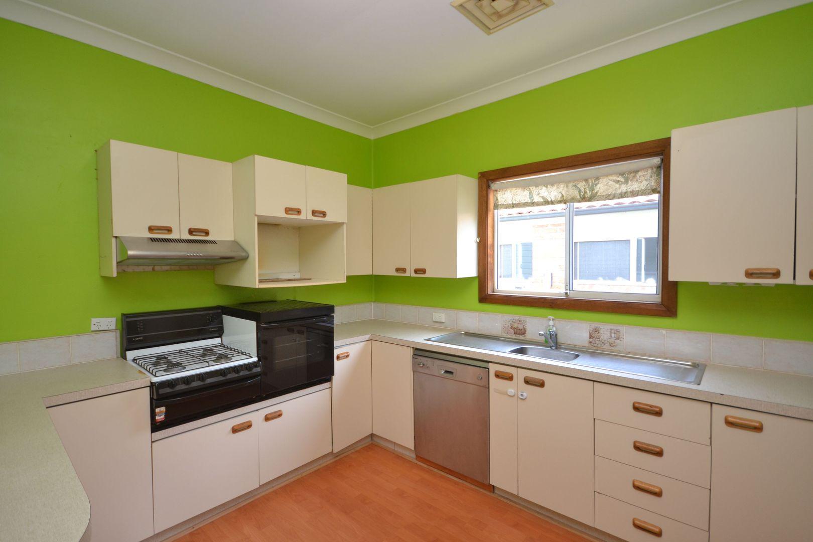 23 Bangalow Street, Ettalong Beach NSW 2257, Image 2