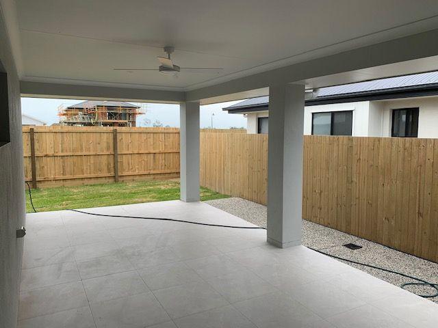 174 Lakeview Promenade, Newport QLD 4020, Image 2