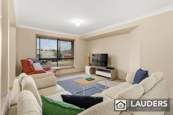 Picture of 4 Ivy Crescent, OLD BAR NSW 2430