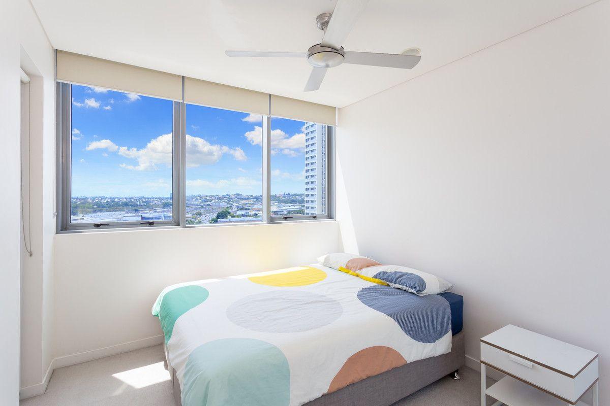 1075/16 Hamilton Place, Bowen Hills QLD 4006, Image 2