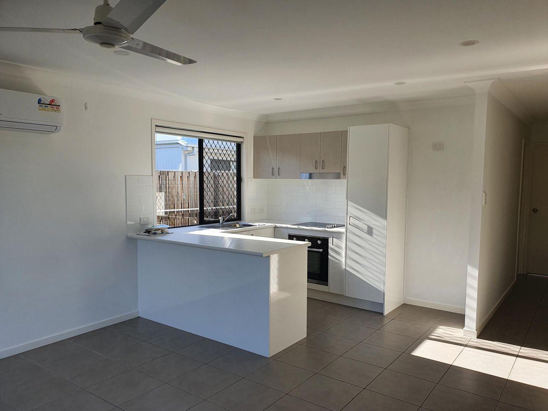 2/61 Spruce Street, Loganlea QLD 4131, Image 2
