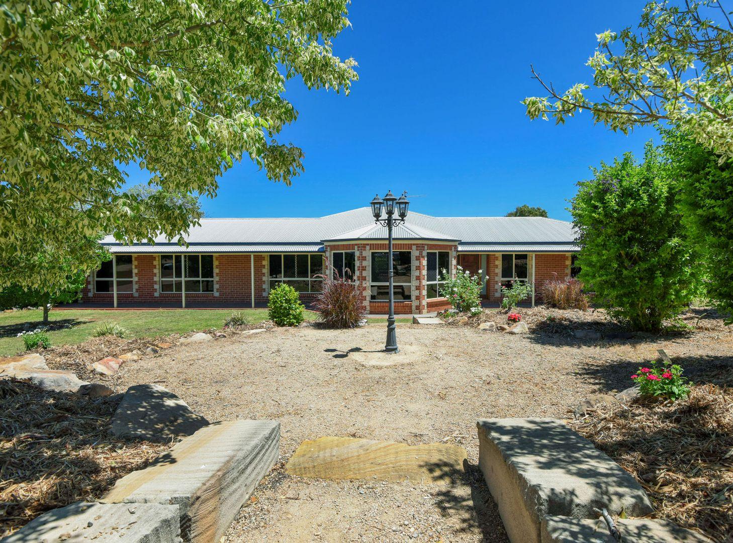9 Carolann Street, Glenvale QLD 4350, Image 2