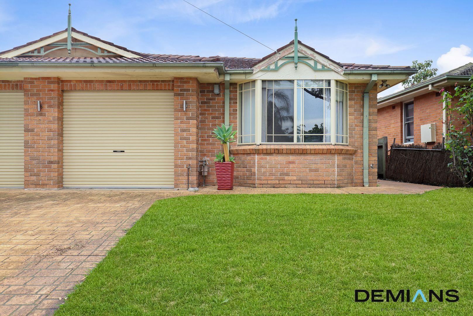 2/6 Salamaua Crescent, Holsworthy NSW 2173, Image 0