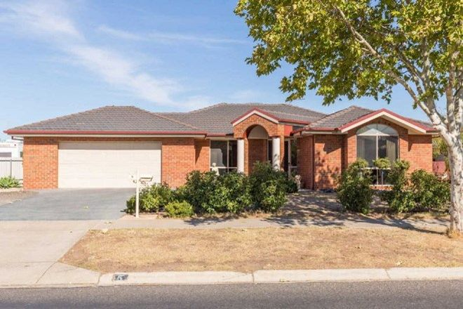 Picture of 5 McTavish Boulevard, HORSHAM VIC 3400