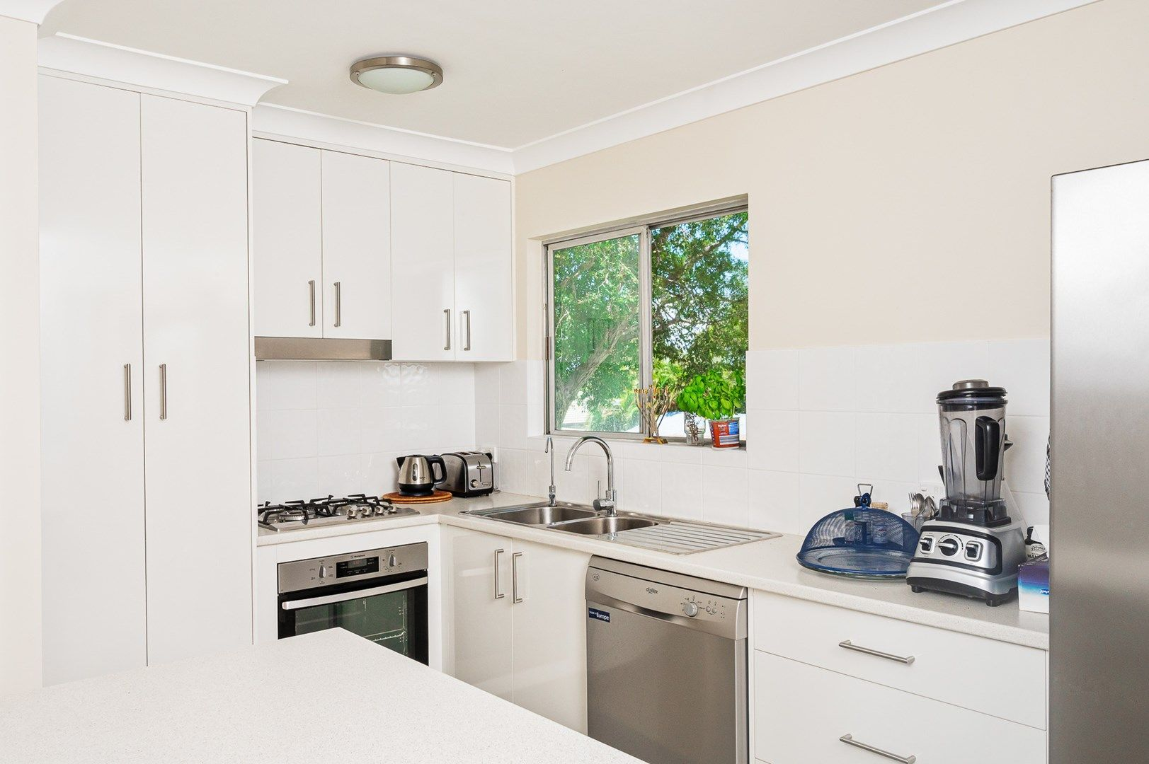 9 Lucas Street, Scarborough QLD 4020