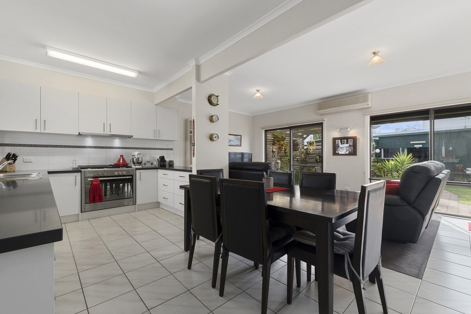 11 Pearson  Street, Williamstown VIC 3016, Image 2