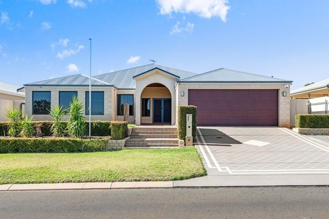 Picture of 24 Tumbarri Way, HANNANS WA 6430