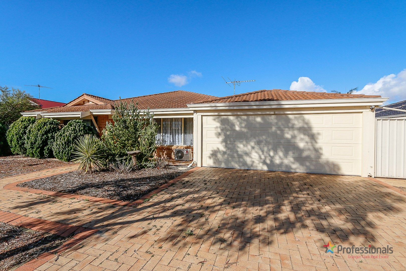 15 St Stephens Crescent, Tapping WA 6065, Image 1