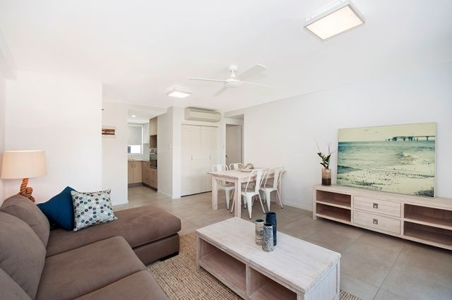 7/102 The Strand, North Ward QLD 4810, Image 2