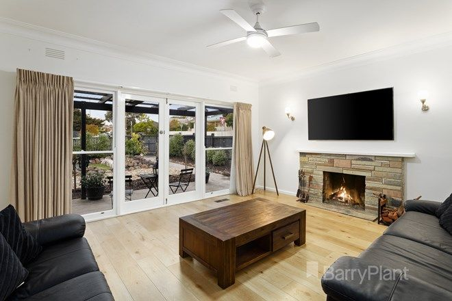 Picture of 280 Nell Street West, WATSONIA VIC 3087