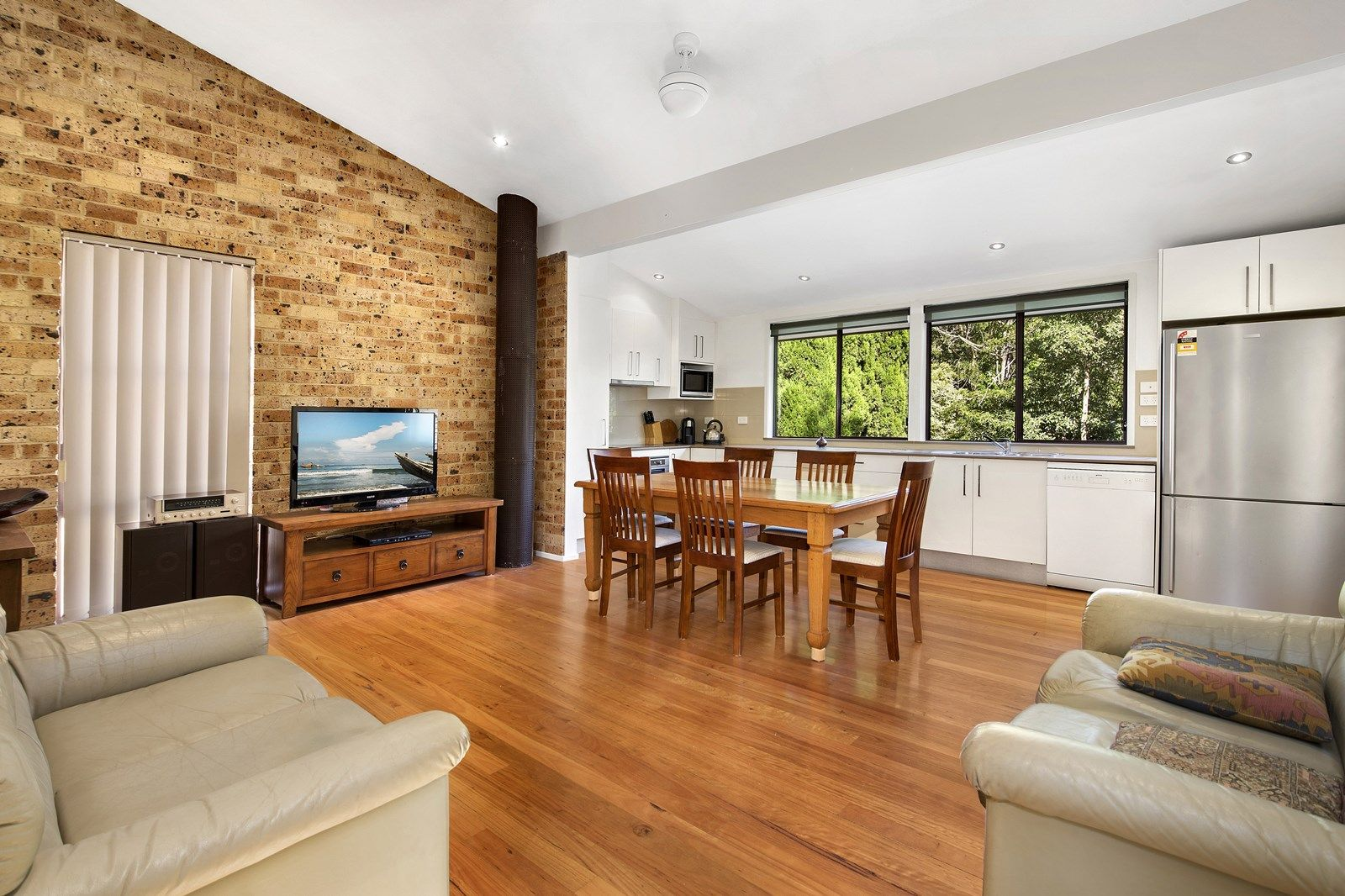 17 Gambier Avenue, Sandy Point NSW 2172, Image 2