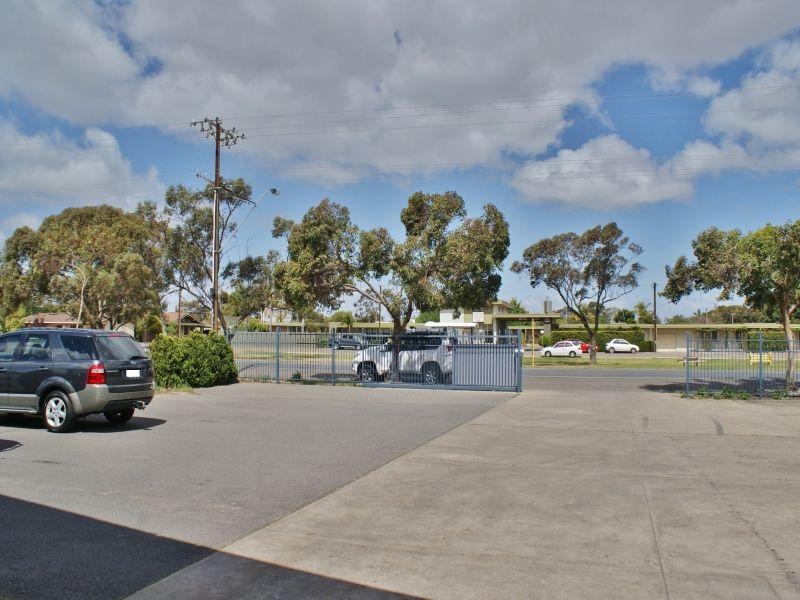 219 Adelaide Road, Murray Bridge SA 5253, Image 2