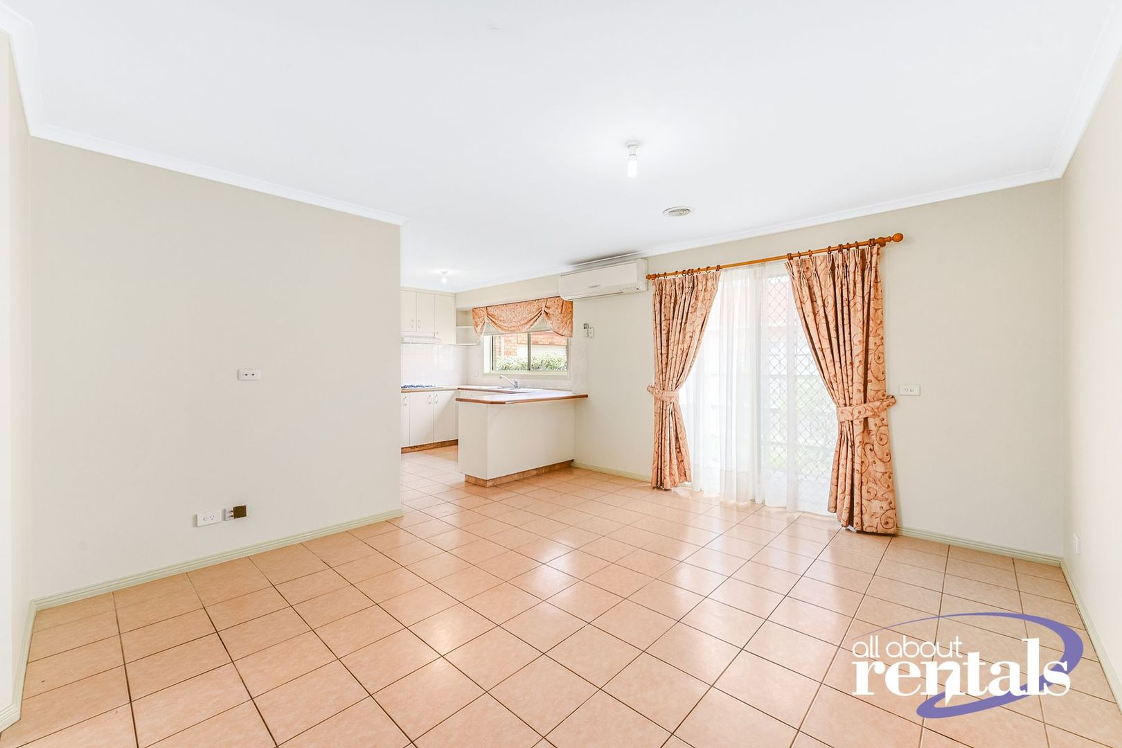 10 Gillian Place, Pakenham VIC 3810, Image 2
