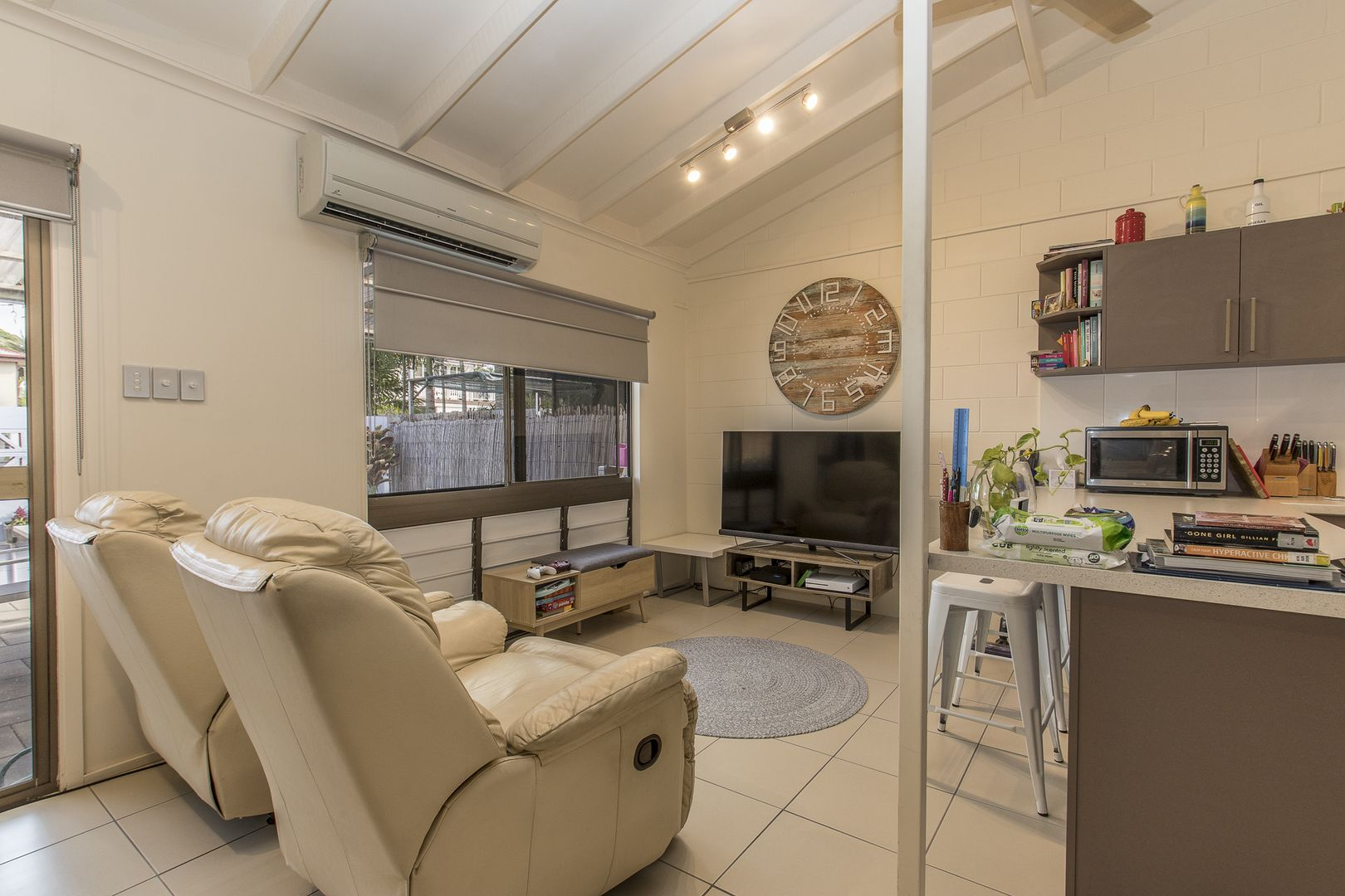 11/80-84 Queens Road, Hermit Park QLD 4812, Image 0